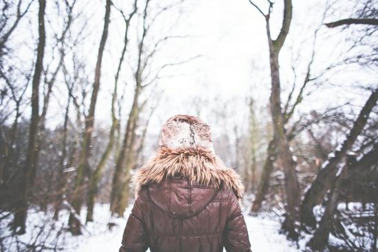 holka v zime